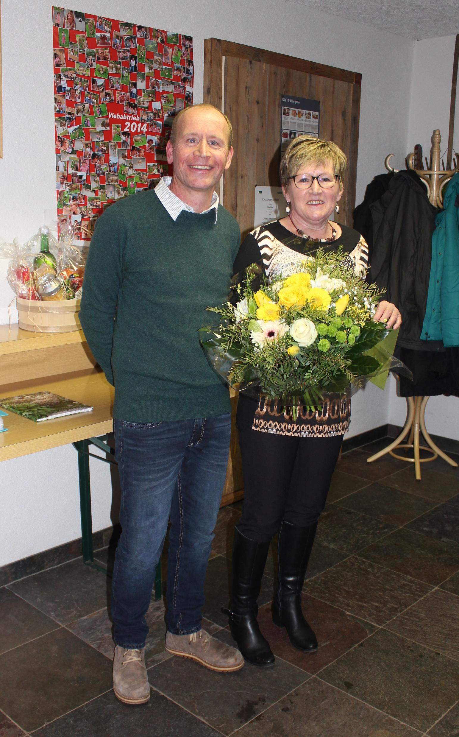 Martha Matt mit Obmann Wolfgang Matt.jpg